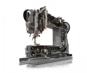 Швейно-вышивальная машина Bernina 560 с вышив модулем