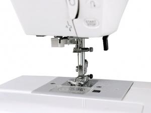 Компьютерная швейная машина Janome Clio 100