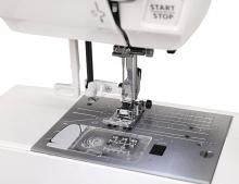Компьютерная швейная машина Janome Clio 200